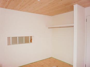 自然素材に囲まれて、思わず深呼吸したくなるような部屋になりました。
