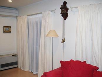 カーテンの見た目にもボリュームがあり、ゴージャス感が出ました。