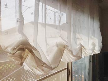 上品で素敵なカーテンになりとても満足しております。