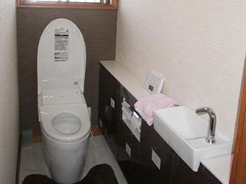 驚くくらい綺麗なトイレになり大満足です。使い勝手も良いです。