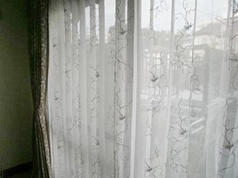 オシャレなカーテンでお部屋も上品になり大変満足しております。