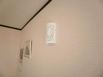 新しい壁は気持ちがいいです。洗面台も収納たくさんでうれしいです。